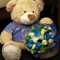 Big Teddy w/roses