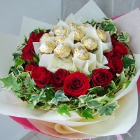 Rose Ferrero Rocher Bouquet